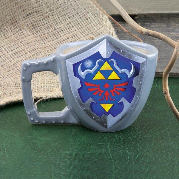 Nintendo The Legend of Zelda Princess Hylian Shield Logo 18 oz Ceramic Mug
