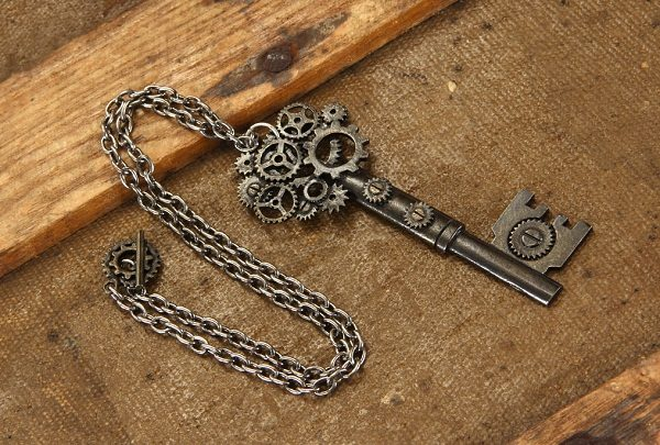 SteamPunk Cosplay Victorian Clock Gears Chain Necklace NEW UNUSED